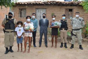 Liberdade FM - Ação de recolhimento de cestas basicas em Porteirinha - 04